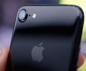 Apple iPhone 7 Jet Black теперь поставляется в тот же день